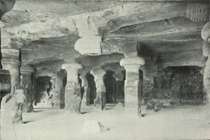 Cave_of_Elephants_1905
